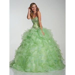House of Wu Quinceanera Dress Mint Green size 6